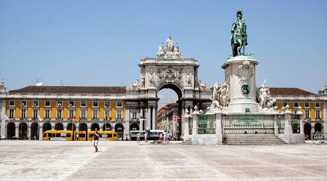 Quanto tempo é a viagem até Portugal