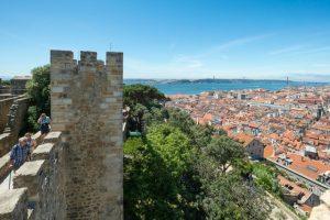 Vista do alto da torre do Castelo de São Jorge em Lisboa