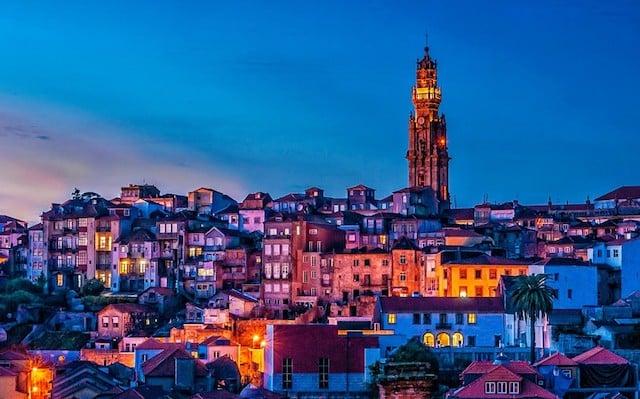 Passeio pelos pontos turísticos do Porto