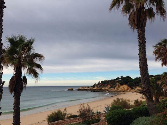 Ilha do Farol no inverno no Algarve