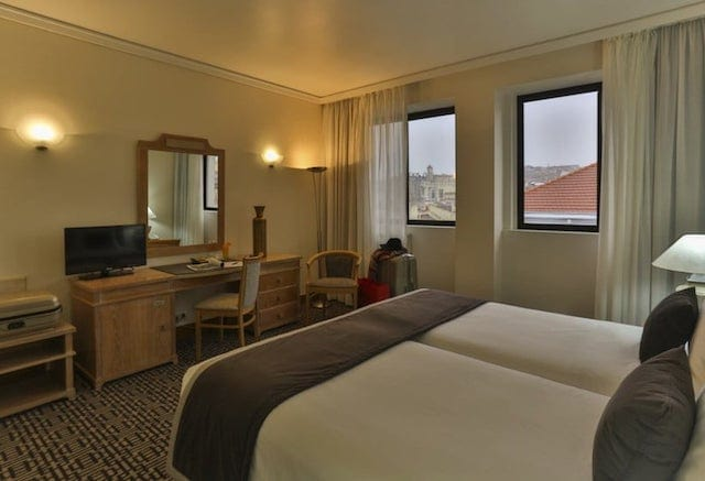 Hotel Mundial em Lisboa - quarto