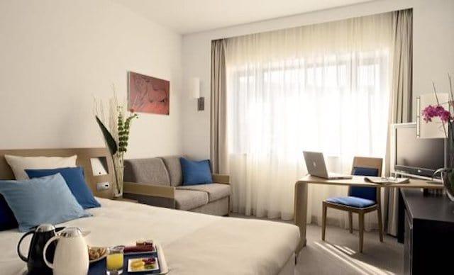 Hotel Novotel no Porto - quarto