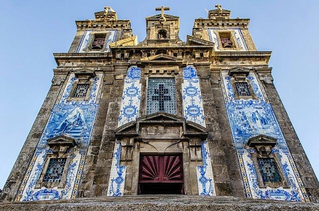 Fachada da Igreja de Santo Ildefonso