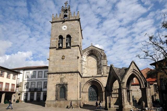 Igreja de Nossa Senhora da Oliveira em Guimarães