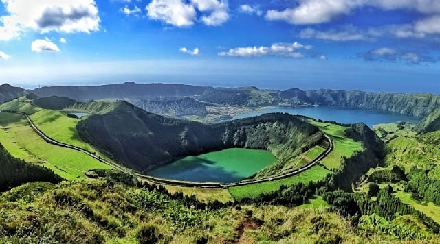Caldeira das Sete Cidades nos Açores em Portugal