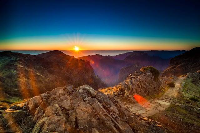 Pôr-do-Sol no Pico do Areeiro na Ilha da Madeira