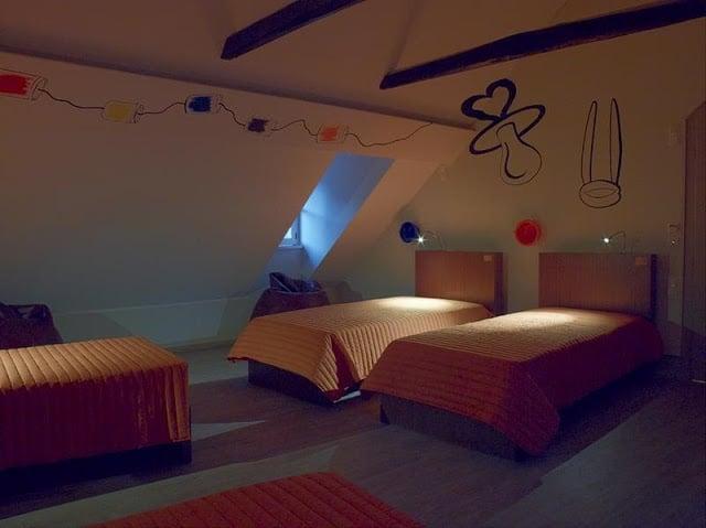 Serenata Hostel em Coimbra - quarto