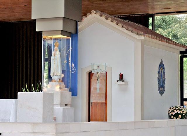 Nossa Senhora de Fátima na Capela das Aparições