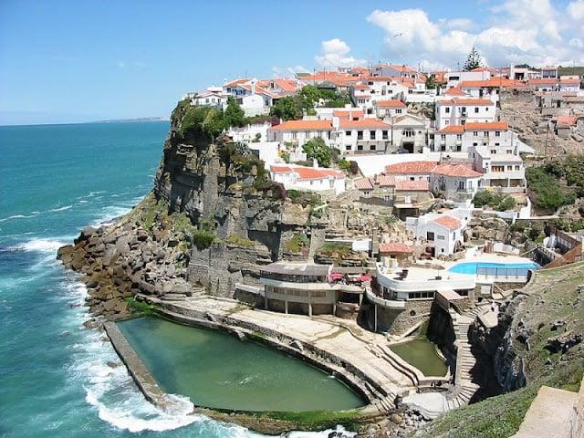 Praia de Azenhas do Mar em Sintra