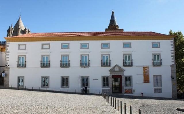 Museu de Évora em Évora