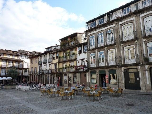 Características do centro histórico de Guimarães