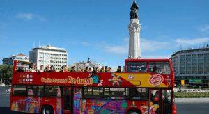 Ônibus turístico em Lisboa