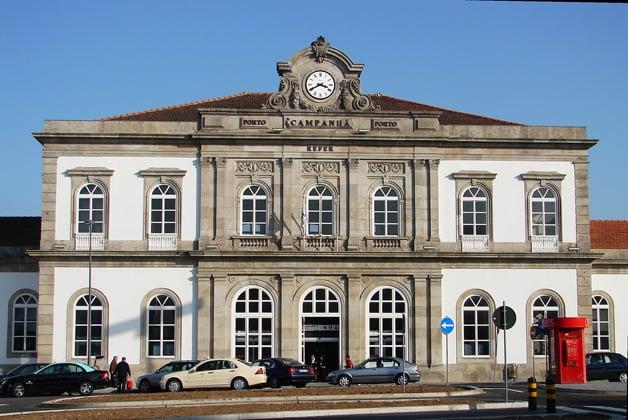 Viagens de trem no Porto e em Portugal