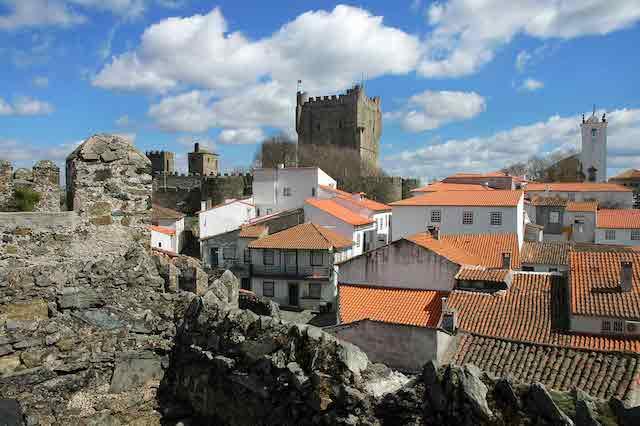 Hotéis Bons e Baratos em Bragança
