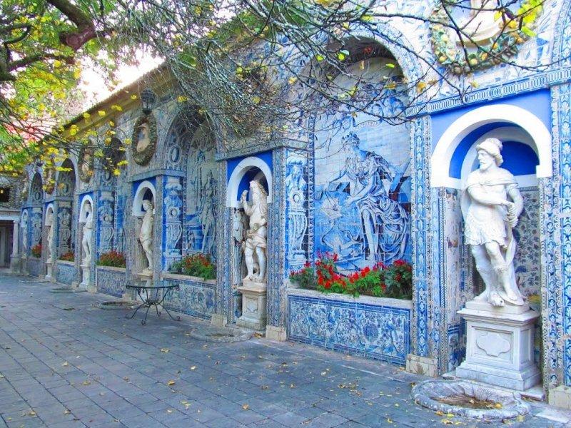 Esculturas no Palácio dos Marqueses da Fronteira