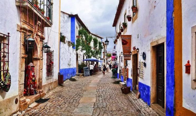 Rua Direita, Óbidos